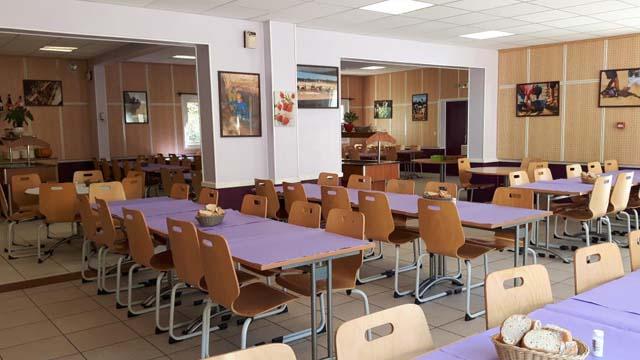 classe découverte créative à méjannes le clap - restaurant