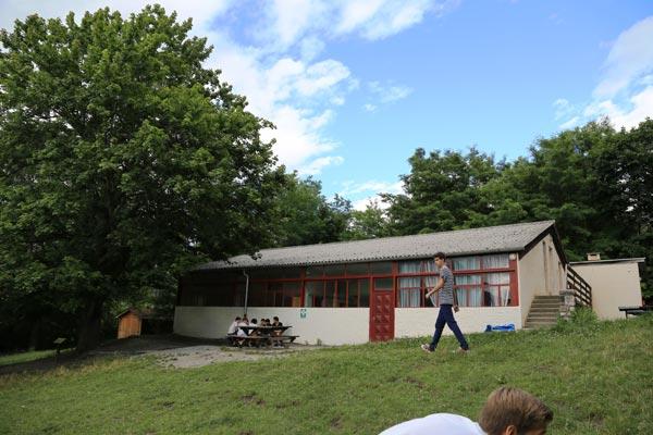 classe découverte audiovisuelle dans les Hautes Alpes - salle polyvalente